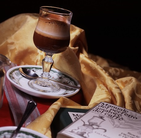 The hazelnut coffee, the first Neapolitan gourmet coffee