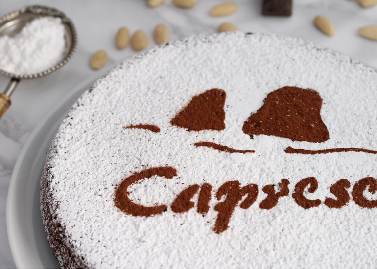 (English) Caprese Cake:history and curiosity of a cake born by mistake!