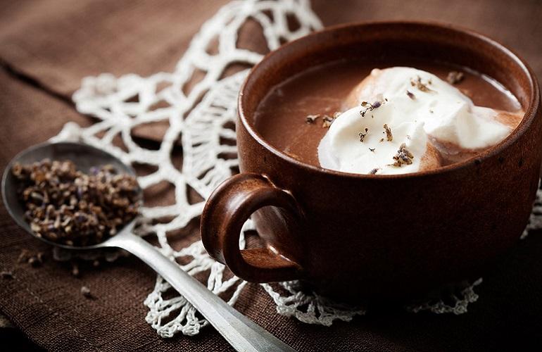 Cioccolata calda, dai Maya ai giorni nostri