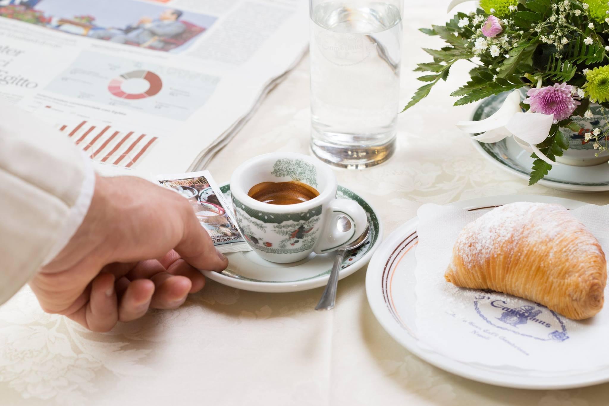 Le cinque regole per un espresso napoletano perfetto.