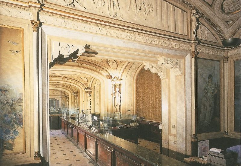 When the Gambrinus was the seat of the Banco di Napoli