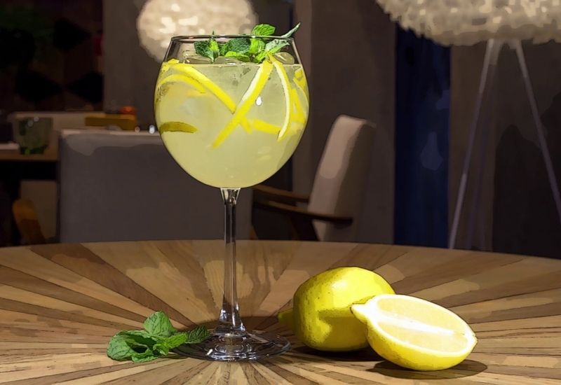 Limoncello Spritz: the new cocktail created on the Amalfi Coast