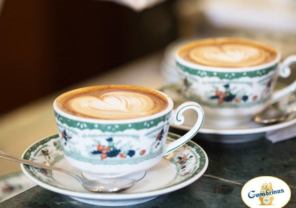 Coffee bar vs home-made coffee: who wins?