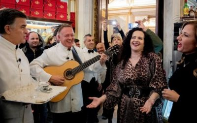 A surprise flash mob at the Gran Caffè Gambrinus!