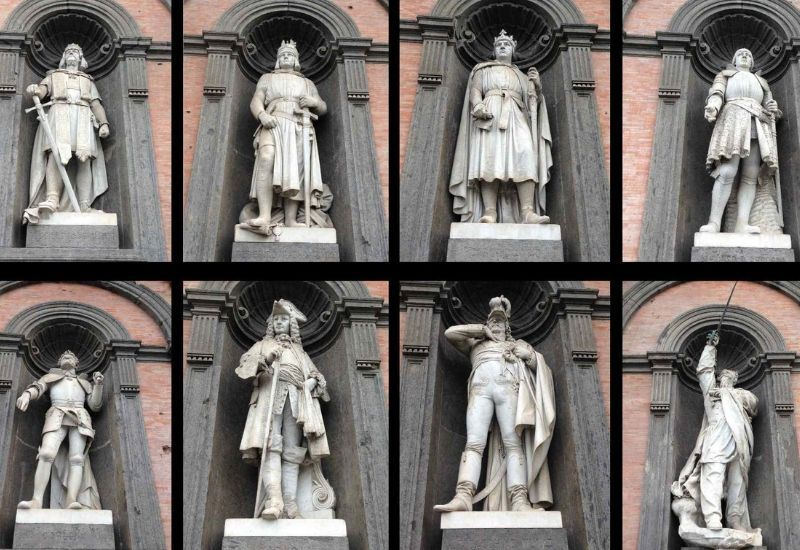 The history of the statues of the Royal Palace