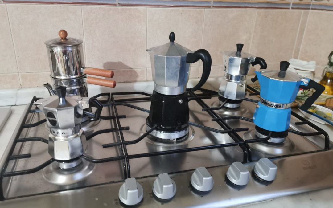 """Come fare il caffè a casa  in questi giorni di """"ozio forzato"""""""